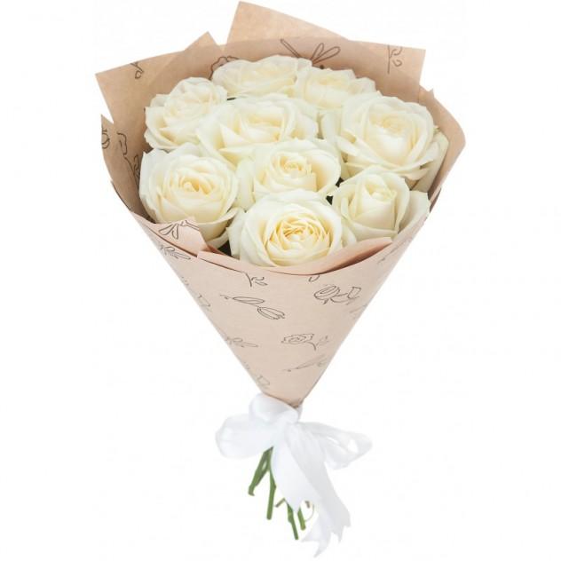 Букет из 11 белых роз в крафте