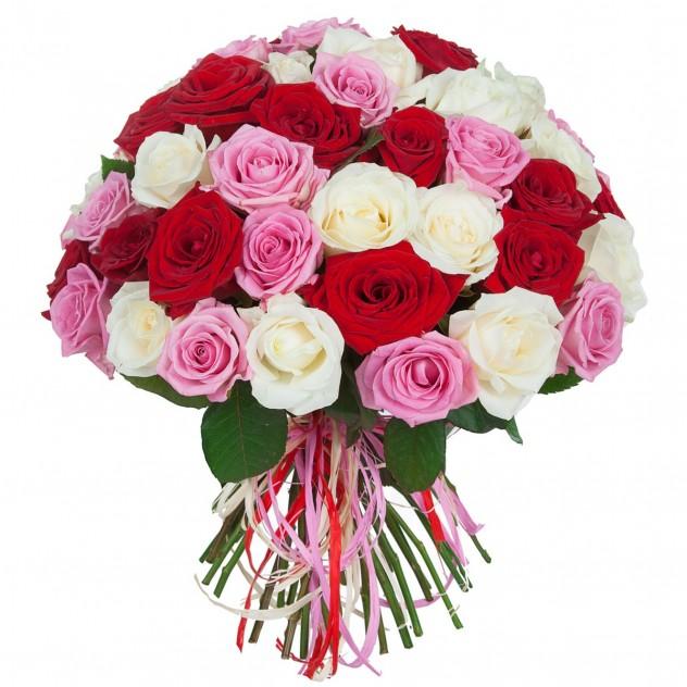 Букет из 51 красной, белой и розовой розы