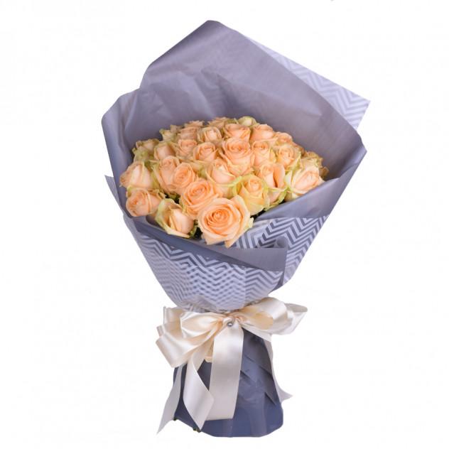 Букет из 35 кремовых роз